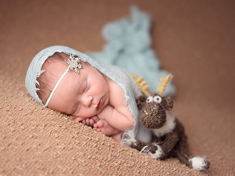 Using Posing Contour for Newborn Photography Posing | Newborn Mentoring Photographer