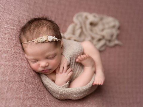 Lilly | Newborn Mentoring Photographer